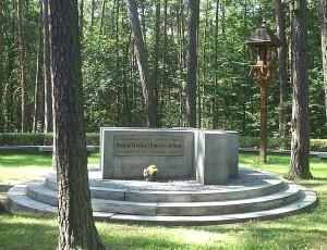 Monument to Darius and Garėnas, near Pszczelnik, Poland Source: Jan Jerszyński